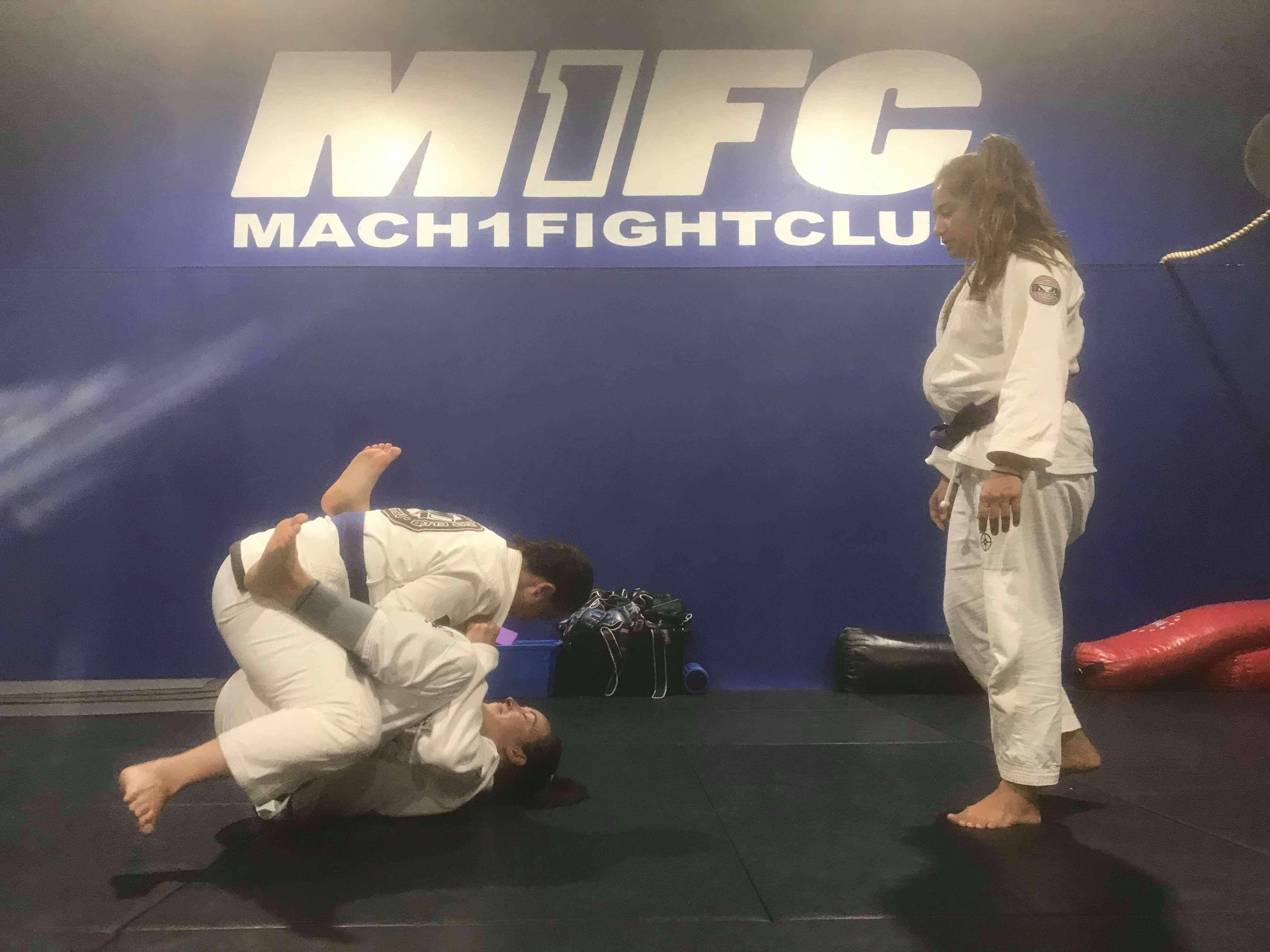 M1FC-women-class-grappling