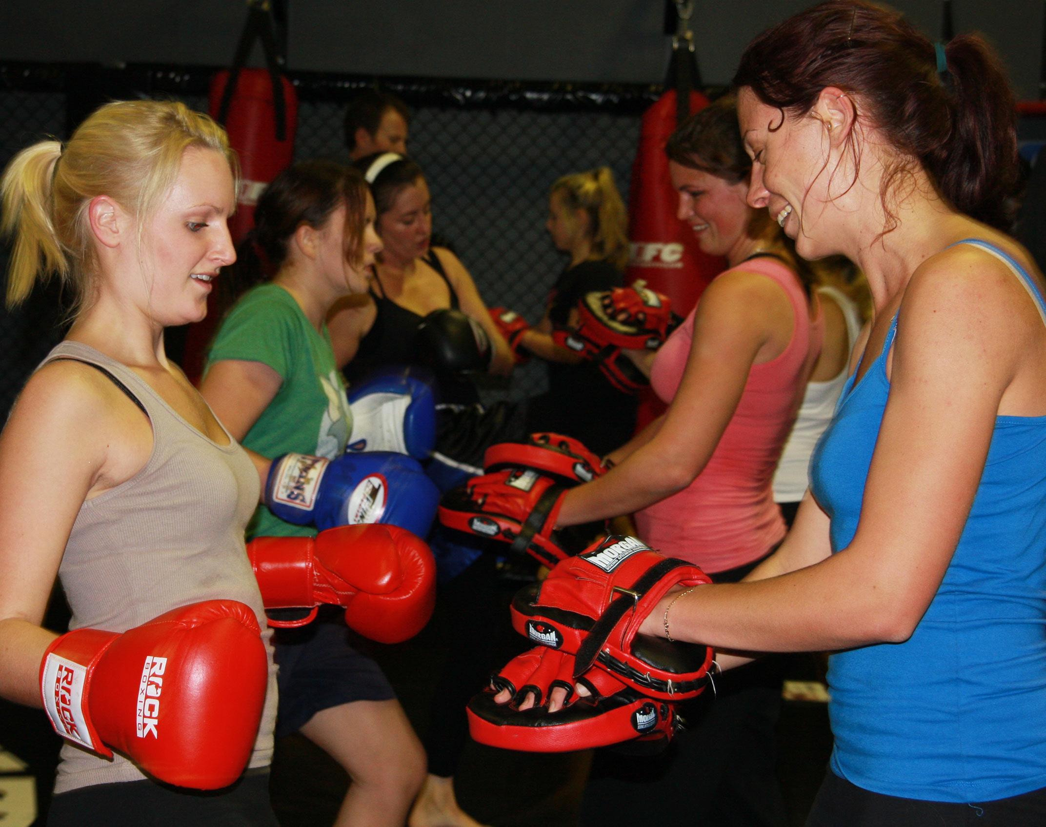 women's boxing class
